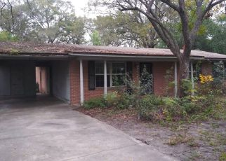 Foreclosed Home in Macclenny 32063 WOODLAWN RD - Property ID: 4504205324