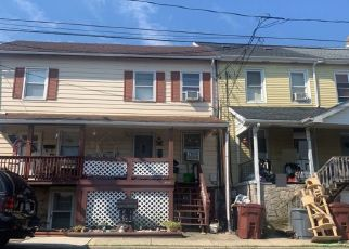 Foreclosed Home in Whitehall 18052 N 1ST AVE - Property ID: 4504214975