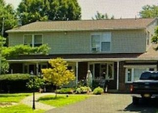 Foreclosed Home in Southampton 18966 WOODLAND DR - Property ID: 4504248246