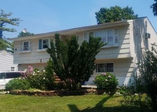 Foreclosed Home in Brentwood 11717 ADAMS AVE - Property ID: 4504326206