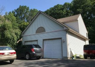 Foreclosed Home in Prospect 06712 CAMBRIDGE DR - Property ID: 4504341989