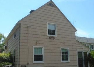 Foreclosed Home in West Hartford 06119 WOODMERE RD - Property ID: 4504354680
