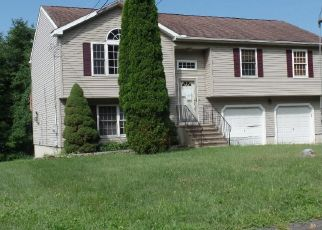 Foreclosed Home in Naugatuck 06770 CROFUT RD - Property ID: 4504359945