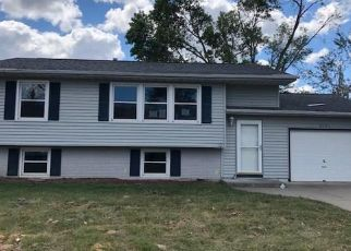 Foreclosed Home in Cedar Rapids 52404 MATTHEW DR SW - Property ID: 4504433515