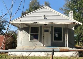 Foreclosed Home in Tampa 33603 E LAKE AVE - Property ID: 4504456732