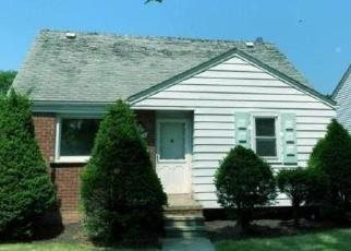 Foreclosed Home in Lincoln Park 48146 MCLAIN AVE - Property ID: 4504510148
