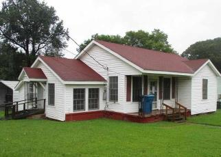 Foreclosed Home in Marshall 75670 COBB ST - Property ID: 4504541701