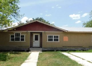 Foreclosed Home in Hebbronville 78361 S MARIA ST - Property ID: 4504546960