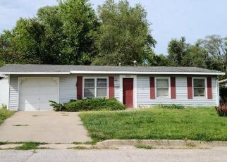 Foreclosed Home in Knob Noster 65336 E MCKISSOCK ST - Property ID: 4504655567