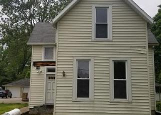 Foreclosed Home in Lincoln 62656 N UNION ST - Property ID: 4504760685