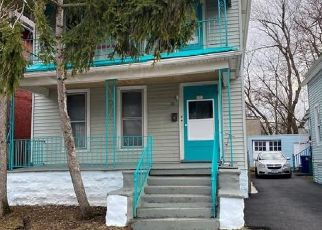 Foreclosed Home in Buffalo 14208 RILEY ST - Property ID: 4505390489