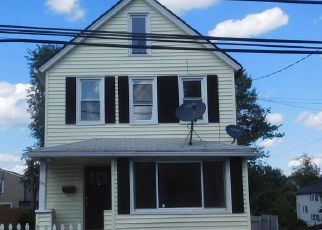 Foreclosed Home in Bridgeport 06610 GRANFIELD AVE - Property ID: 4505493858