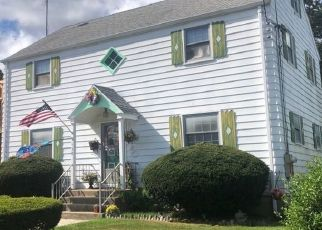 Foreclosed Home in Bridgeport 06604 SUBURBAN AVE - Property ID: 4505500415