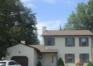 Foreclosed Home in Monroe Township 08831 HALF ACRE RD - Property ID: 4505555153