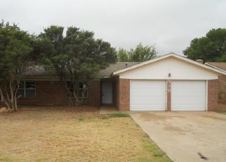 Foreclosed Home in Levelland 79336 PECAN ST - Property ID: 4505703190