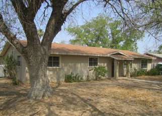 Foreclosed Home in Carrizo Springs 78834 S 11TH ST - Property ID: 4505709329