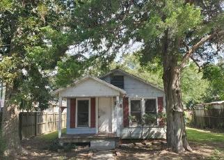 Foreclosed Home in Nederland 77627 BOSTON AVE - Property ID: 4505737807