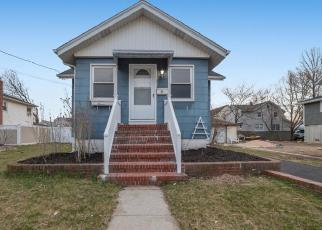Foreclosed Home in Freeport 11520 GORDON PL - Property ID: 4505755766
