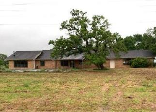 Foreclosed Home in Ledbetter 78946 FM 1697 - Property ID: 4506000140
