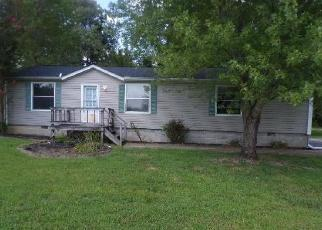 Foreclosed Home in Union City 38261 BEECH CHAPEL RD - Property ID: 4506027297
