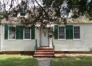 Foreclosed Home in Portsmouth 23702 IRWIN ST - Property ID: 4506295337
