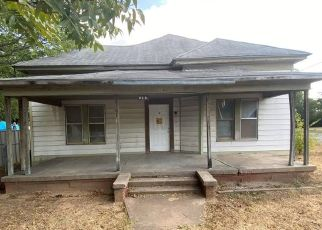 Foreclosed Home in Mineral Wells 76067 SW 10TH ST - Property ID: 4506302346
