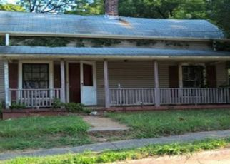 Foreclosed Home in Reidsville 27320 BURTON ST - Property ID: 4506331697