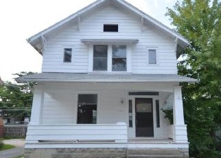 Foreclosed Home in Fort Wayne 46807 W WILDWOOD AVE - Property ID: 4506369805
