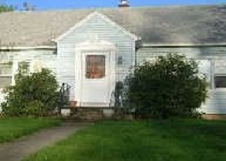 Foreclosed Home in East Haven 06512 CHARTER OAK AVE - Property ID: 4506510827