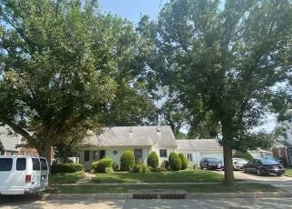 Foreclosed Home in Hempstead 11550 BELMONT PKWY - Property ID: 4506557692