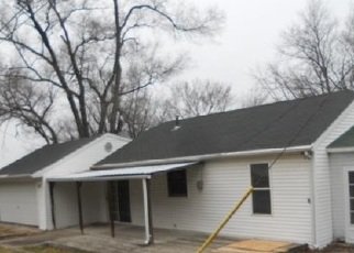 Foreclosed Home in Dallas City 62330 W 4TH ST - Property ID: 4506604999