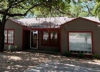 Foreclosed Home in Fort Worth 76112 STARK ST - Property ID: 4506666749