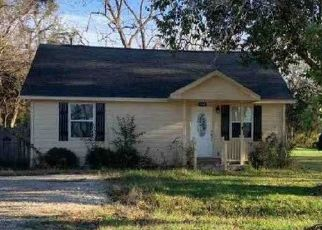 Foreclosed Home in Wallis 77485 CEDAR ST - Property ID: 4506671561