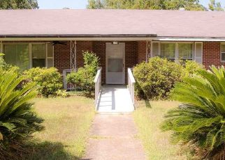 Foreclosed Home in Marshall 75670 W BURLESON ST - Property ID: 4506673309