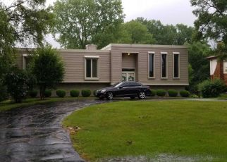 Foreclosed Home in Flossmoor 60422 LYNWOOD CT - Property ID: 4506817850