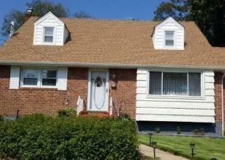 Foreclosed Home in Hempstead 11550 CAROLINA AVE - Property ID: 4507016689