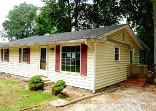 Foreclosed Home in Quinton 23141 FAIRVIEW DR - Property ID: 4507195826