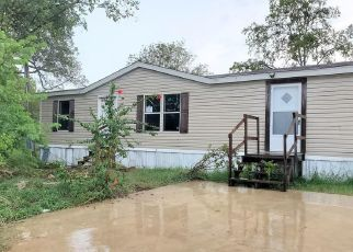 Foreclosed Home in Victoria 77901 N MANTZ ST - Property ID: 4507214650