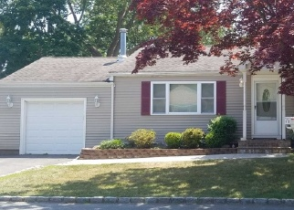 Foreclosed Home in Islip 11751 W SPRUCE ST - Property ID: 4507241814