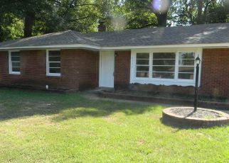 Foreclosed Home in Memphis 38116 CHILDS DR - Property ID: 4507254955