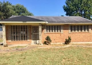 Foreclosed Home in Memphis 38109 DELTA RD - Property ID: 4507255372