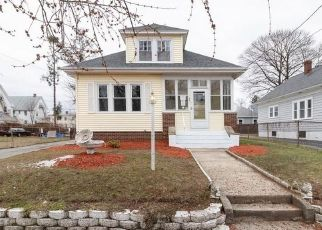 Foreclosed Home in Cranston 02910 GRACE ST - Property ID: 4507305752
