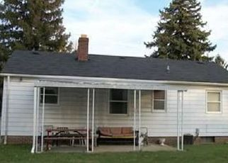 Foreclosed Home in North Olmsted 44070 STEARNS RD - Property ID: 4507369695