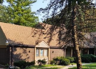 Foreclosed Home in Farmington 48334 HERNDONWOOD DR - Property ID: 4507386776