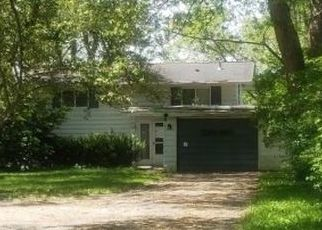 Foreclosed Home in Clarkston 48348 DIXIE HWY - Property ID: 4507387201