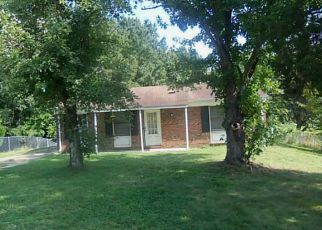 Foreclosed Home in Greensboro 27405 VINCENT ST - Property ID: 4507397727