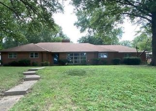Foreclosed Home in Kansas City 64133 WOODSIDE AVE - Property ID: 4507467806