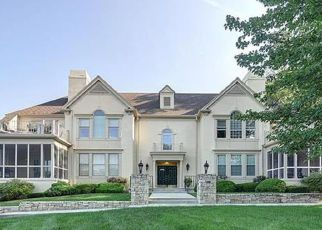Foreclosed Home in Mission 66205 SHAWNEE MISSION PKWY - Property ID: 4507654822