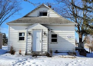 Foreclosed Home in Grinnell 50112 NEWTON ST - Property ID: 4507689856