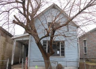 Foreclosed Home in Evansville 47710 N 2ND AVE - Property ID: 4507709563